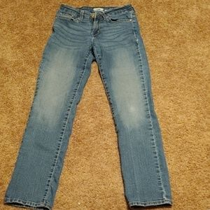 Levis modern straight signature size 27-32